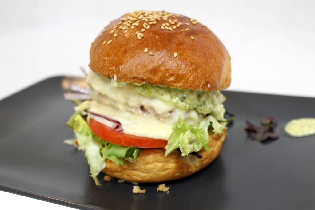 hamburguesa de cochinillo deshuesado